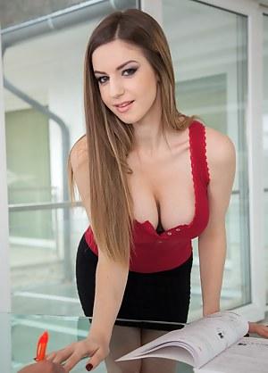 Big Natural Tits Teen Porn Pictures